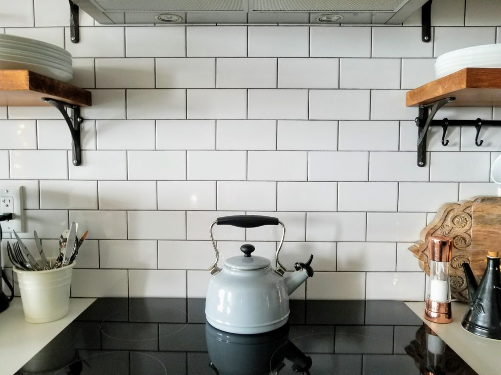 How to use grout stain on tiles