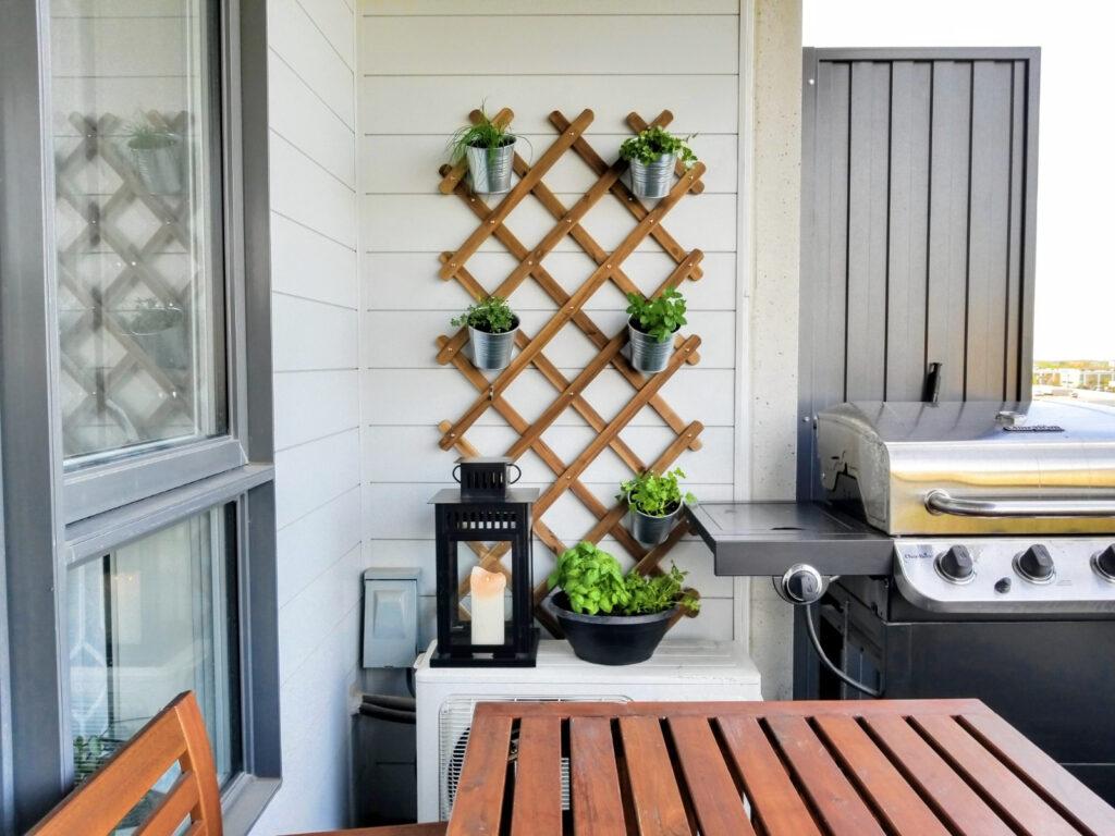balcony garden IKEA trellis