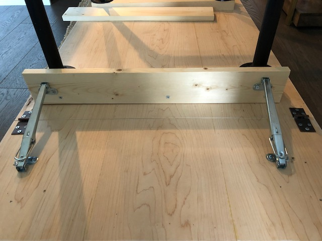 Drop leaf table support